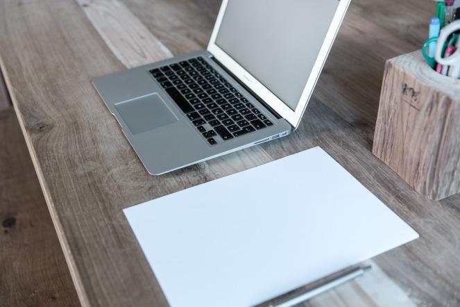 home-office-599475_1920.jpg